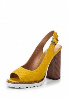 Босоножки, Vitacci, цвет: желтый. Артикул: VI060AWPTW19. Женская обувь / Босоножки