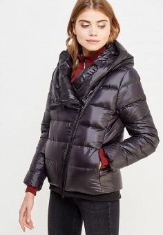 Пуховик, Nike, цвет: черный. Артикул: NI464EWUGT75. Женская одежда / Верхняя одежда / Пуховики и зимние куртки